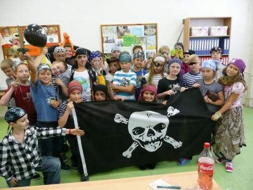 Piráti pijí colu!