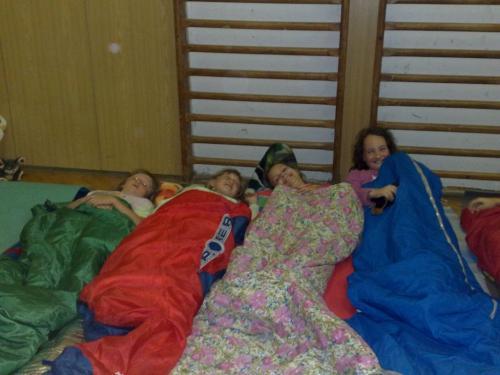 Vzpomínka naloňské spaní veškole !